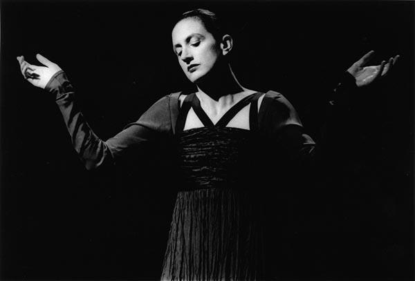 """Meryl Tankard in """"Chants de Mariage"""", 1992"""